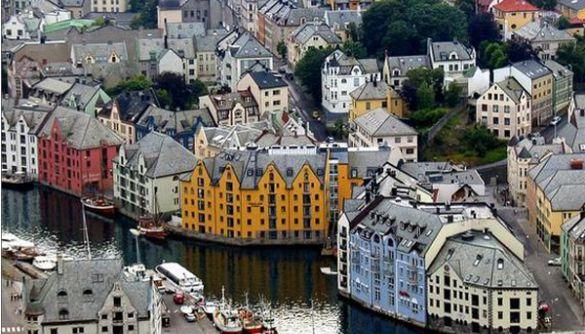 Як улаштоване громадське мовлення в Норвегії