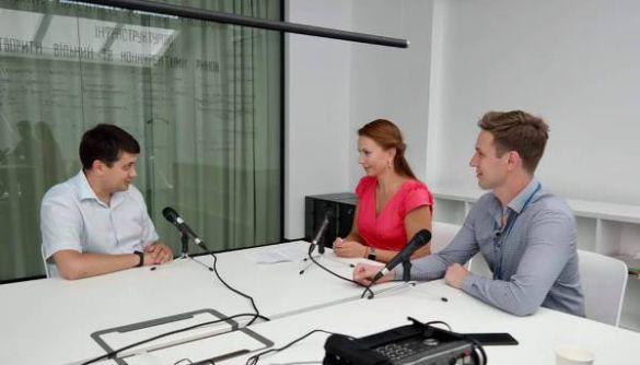 Суспільне мовлення в Україні треба розвивати, це факт – Дмитро Разумков