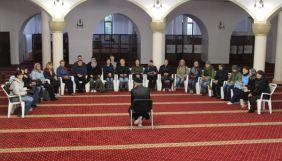 Уперше на українському телебаченні Суспільне транслюватиме проповіді мусульман у мечеті і молитву в синагозі