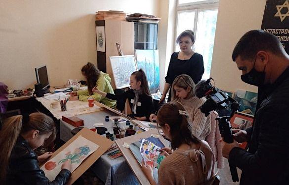 На Суспільному готують новий сезон проєкту про нацспільноти «Відтінки України»