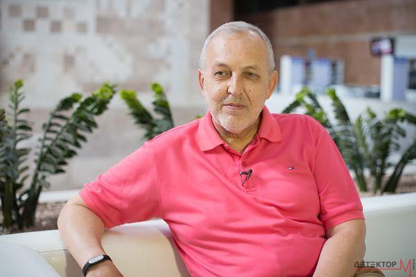 Юрій Макаров: Суспільне вирішило показати фільм Офісу президента «передусім тому, що це цікаво»