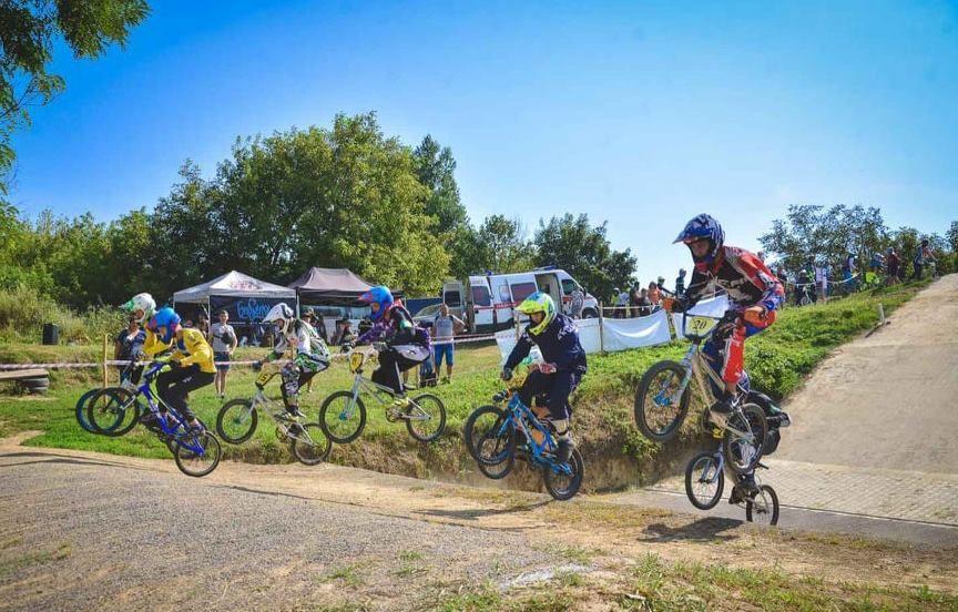 Філії Суспільного покажуть змагання зі спідвею та велосипедного спорту